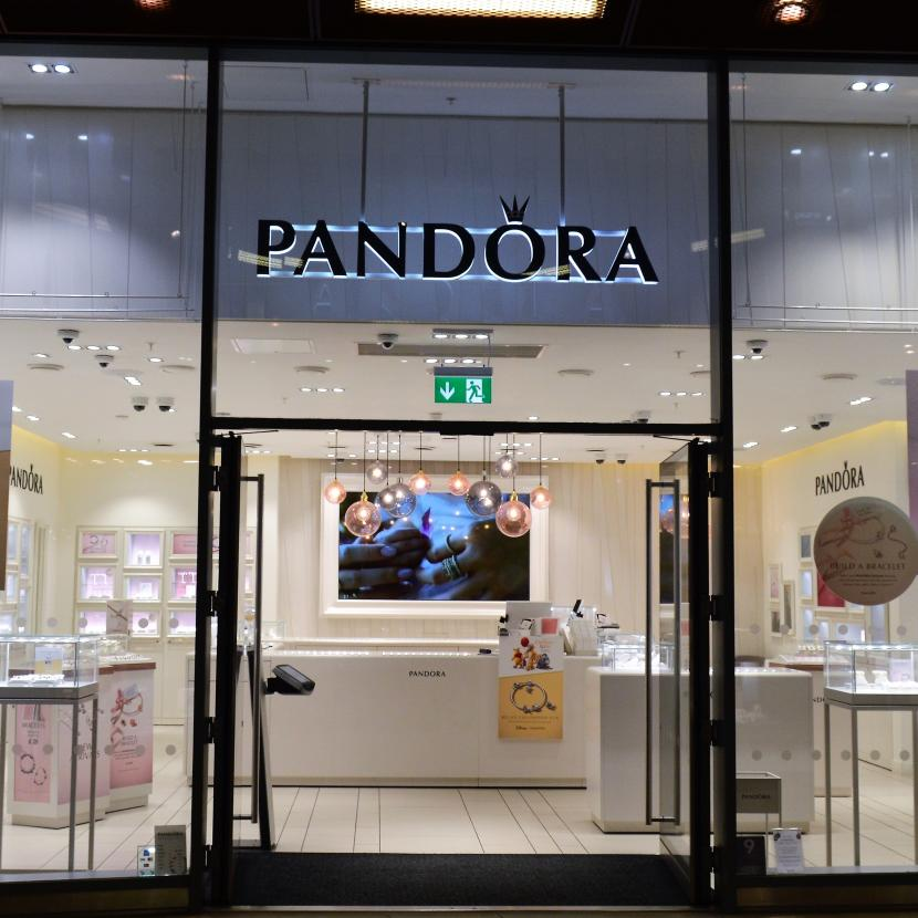 Pandora at One New Change